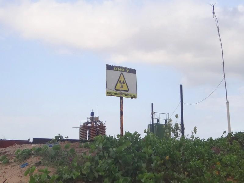 'Bóng ma' phóng xạ rập rình từ mỏ titan - ảnh 2