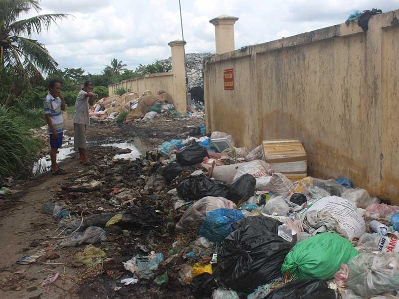 Dân kêu cứu vì bãi rác gây ô nhiễm quá nặng - ảnh 1