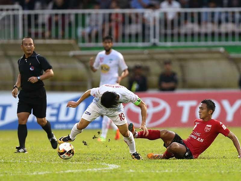 Vòng 20 V-League: HA Gia Lai trả giá quá đắt - ảnh 1
