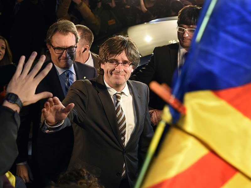 Tây Ban Nha đối diện nguy cơ tan rã - ảnh 2