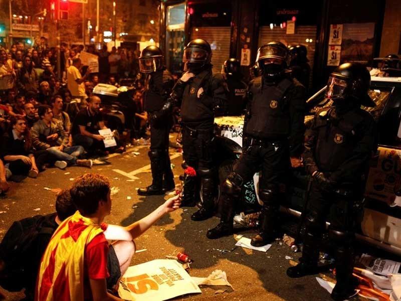 Tây Ban Nha đối diện nguy cơ tan rã - ảnh 3