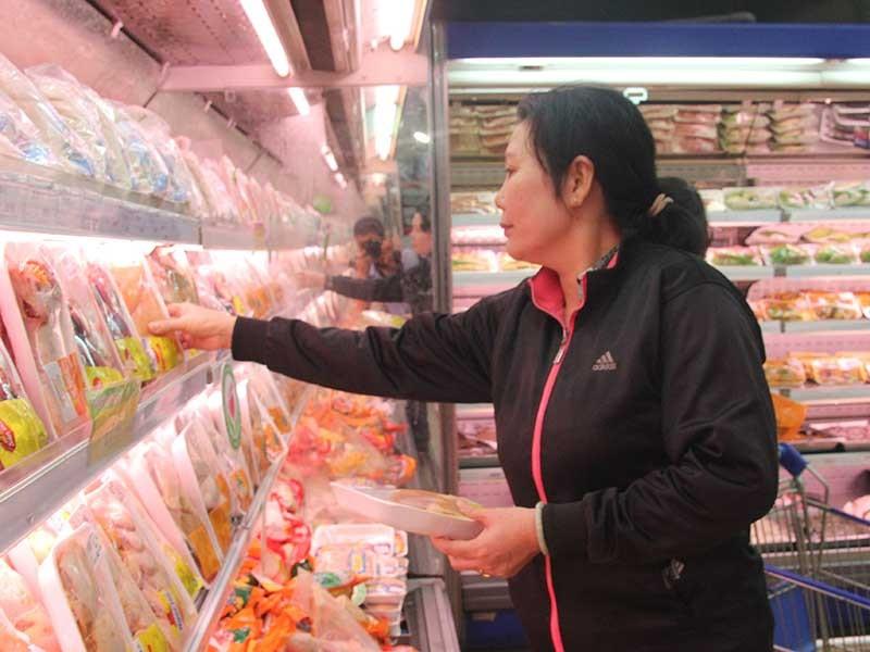 Đùi gà Mỹ nhập về Việt Nam… 2.000 đồng/kg? - ảnh 1