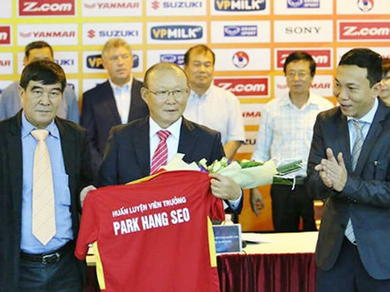 Báo Việt, báo Hàn 'sốt' với HLV Park Hang-seo - ảnh 1