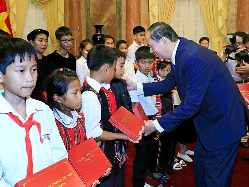 Chủ tịch nước gặp đại biểu chương trình 'Chia sẻ cùng thầy cô' - ảnh 1