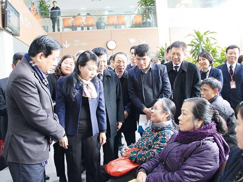 Bộ trưởng Y tế Nguyễn Thị Kim Tiến: Giữ lửa cho ngành y - ảnh 2