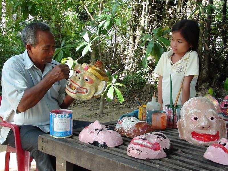 Đôi tay tài hoa của người đàn ông Khmer - ảnh 1