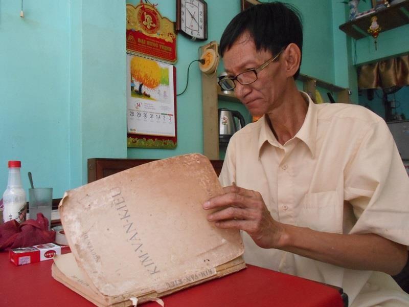 Người 'chữa bệnh' cho sách cũ ở Sài Gòn - ảnh 15