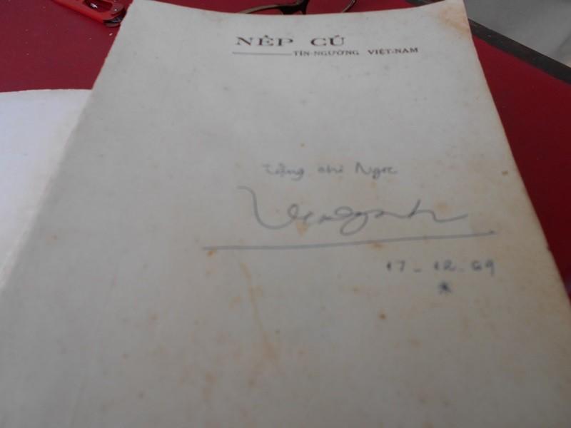 Người 'chữa bệnh' cho sách cũ ở Sài Gòn - ảnh 11