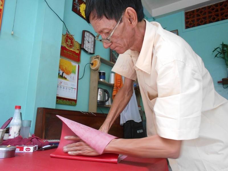 Người 'chữa bệnh' cho sách cũ ở Sài Gòn - ảnh 9