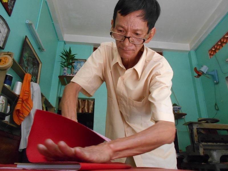 Người 'chữa bệnh' cho sách cũ ở Sài Gòn - ảnh 10