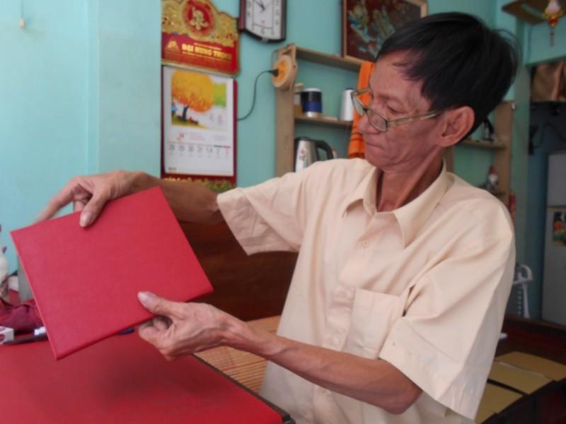 Người 'chữa bệnh' cho sách cũ ở Sài Gòn - ảnh 13