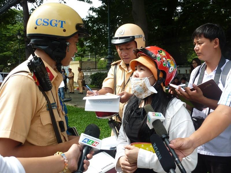 TP.HCM: Ngày đầu ra quân xử phạt hành chính theo Nghị định 46 - ảnh 6