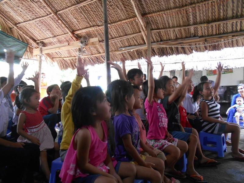 Mang ảo thuật đến với trẻ em ở lớp học 'Vườn ổi' - ảnh 2