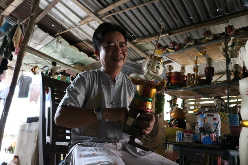 Nghệ nhân với những con rối nước hiếm hoi ở Sài Gòn - ảnh 9