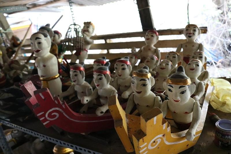 Nghệ nhân với những con rối nước hiếm hoi ở Sài Gòn - ảnh 13