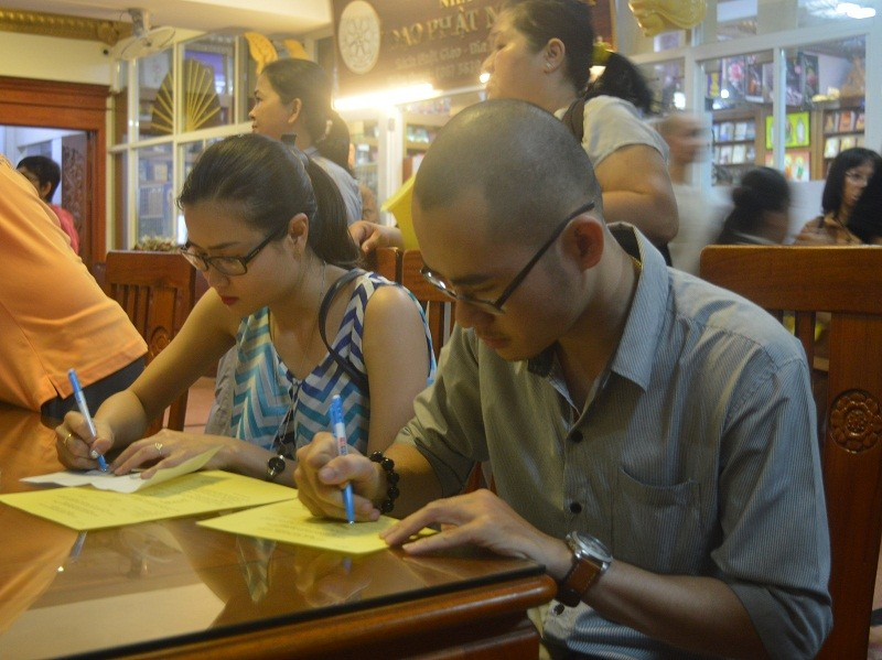 Đông đảo người dân đăng ký hiến xác y học - ảnh 3