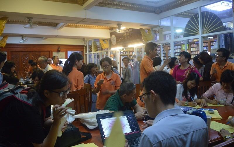 Đông đảo người dân đăng ký hiến xác y học - ảnh 1
