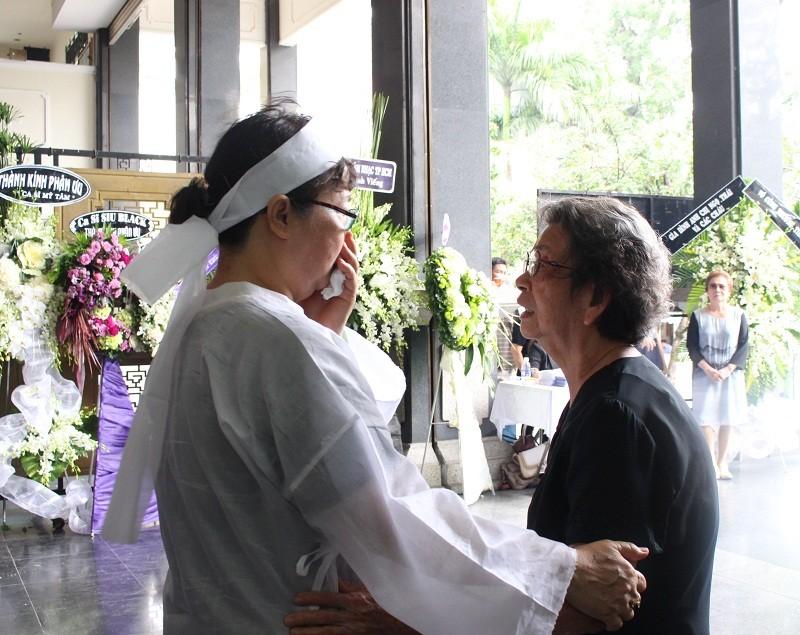 Những cảm xúc nghẹn ngào trong đám tang NSƯT Quang Lý - ảnh 1