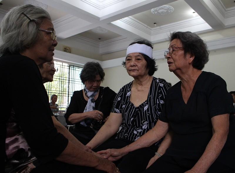 Những cảm xúc nghẹn ngào trong đám tang NSƯT Quang Lý - ảnh 2