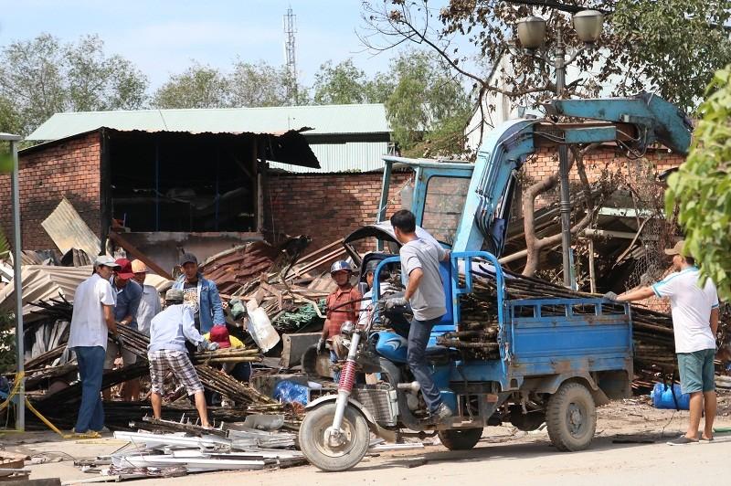Sau vụ cháy đầu năm, người dân lao đao  - ảnh 3