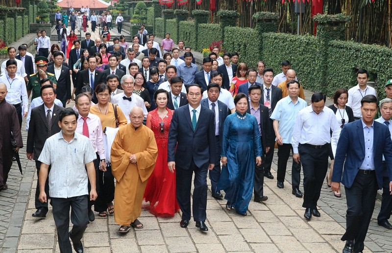 Chủ tịch nước dâng hương các Vua Hùng - ảnh 9