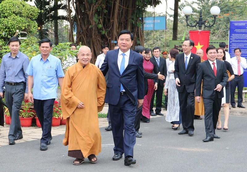 Chủ tịch nước dâng hương các Vua Hùng - ảnh 3