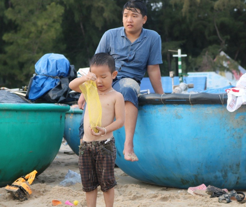 Biển Cam Bình được du khách ưa chuộng mùa Tết - ảnh 19