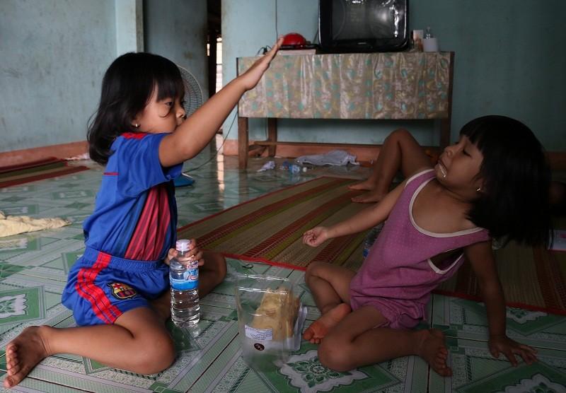 Cái Tết đoàn viên của 2 đứa trẻ bị trao nhầm - ảnh 12