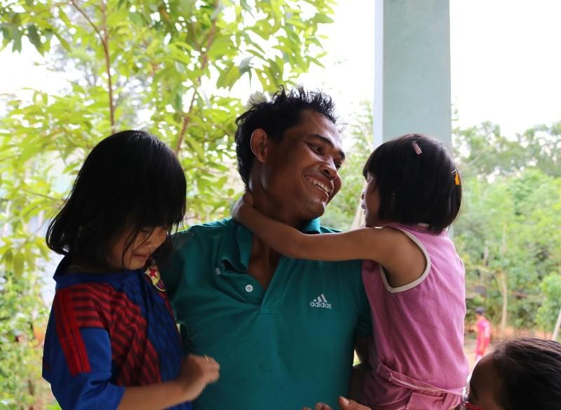 Cái Tết đoàn viên của 2 đứa trẻ bị trao nhầm - ảnh 9