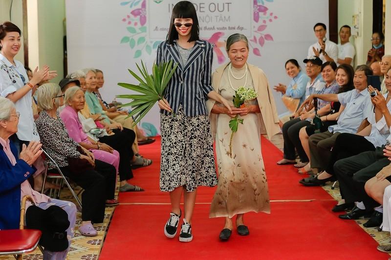 Ngắm các cụ bà ở viện dưỡng lão trình diễn thời trang - ảnh 11