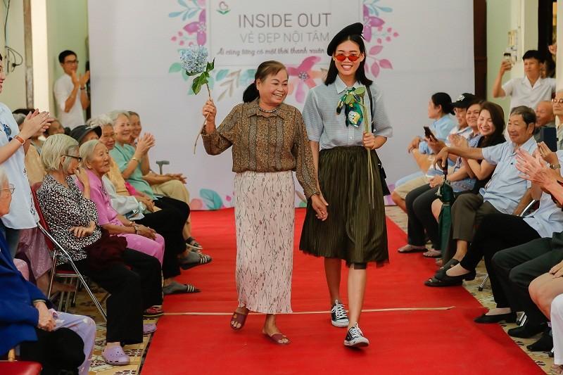 Ngắm các cụ bà ở viện dưỡng lão trình diễn thời trang - ảnh 9