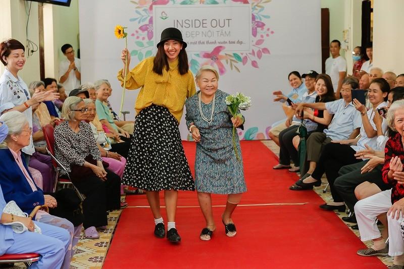 Ngắm các cụ bà ở viện dưỡng lão trình diễn thời trang - ảnh 14