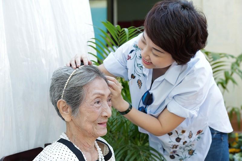 Ngắm các cụ bà ở viện dưỡng lão trình diễn thời trang - ảnh 6