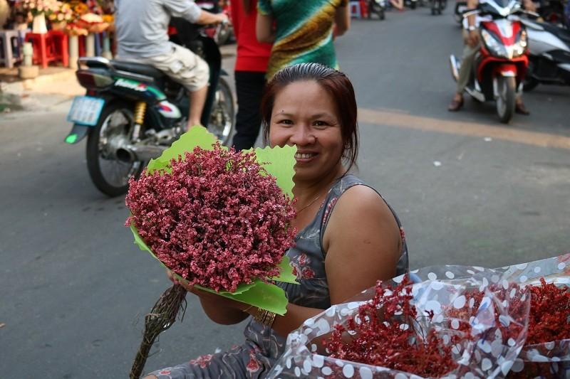 Chợ hoa Hồ Thị Kỷ: Ngôi chợ không ngủ trong lòng phố - ảnh 12