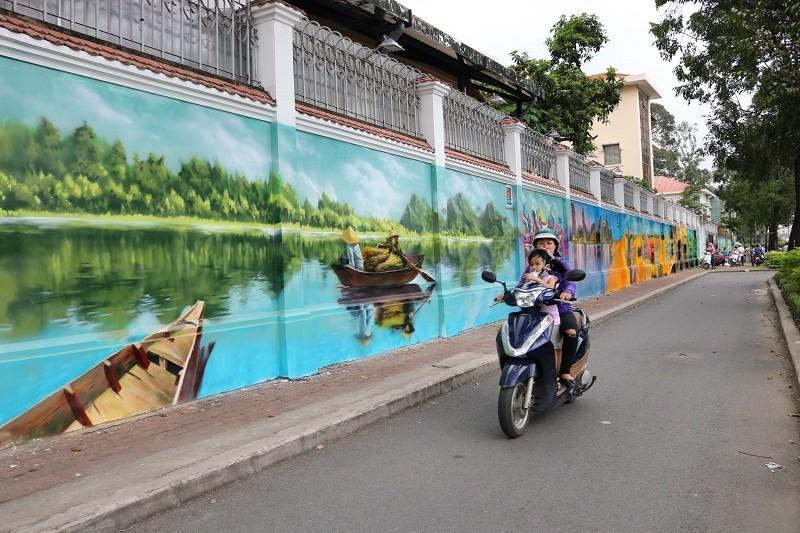 Ngẩn ngơ tranh tường trên phố Sài Gòn - ảnh 3