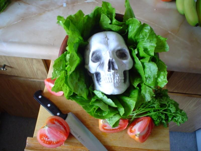 Bí quyết 'né' ngộ độc thực phẩm - ảnh 1