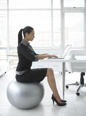 7 cách giảm cân từ bàn làm việc - ảnh 2
