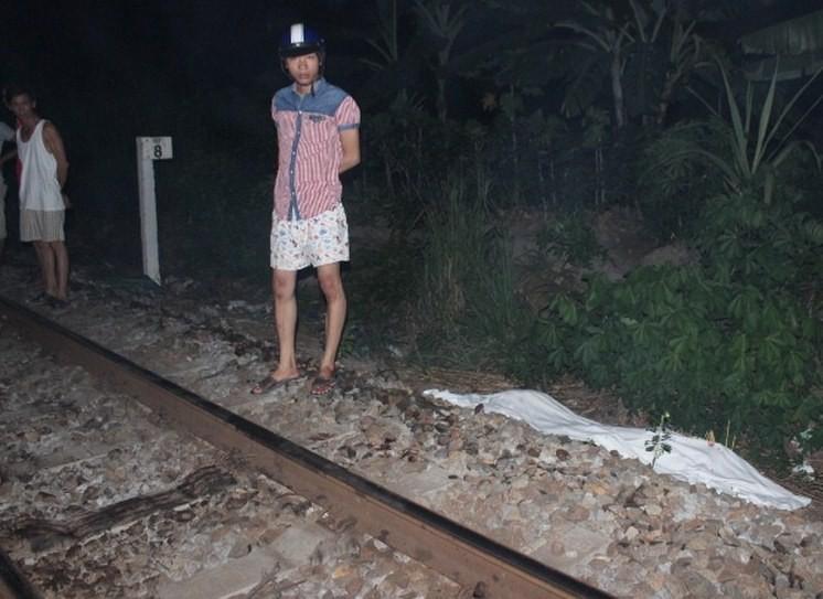 Cái chết thảm khốc của nam thanh niên nằm vắt ngang đường tàu - ảnh 1