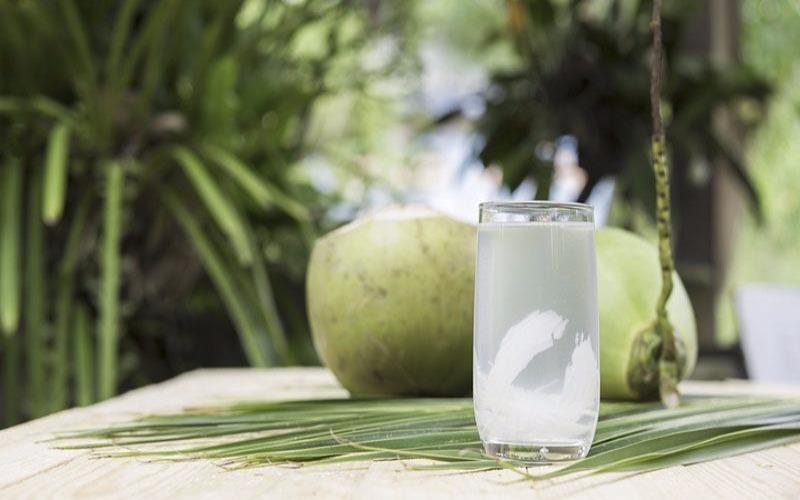 Uống nước dừa vào thời điểm nào là tốt nhất? - ảnh 1