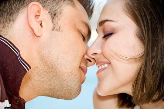 Mặt trái đáng sợ của nụ hôn - ảnh 1
