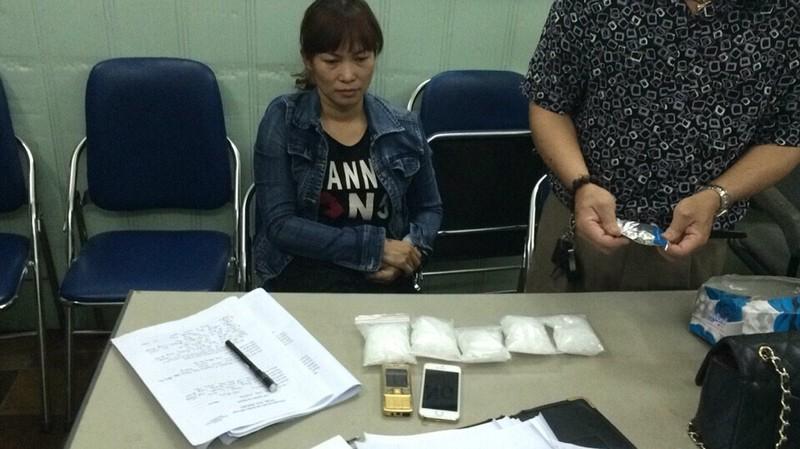 Bắt gọn nữ quái vận chuyển ma túy bằng đường hàng không - ảnh 1