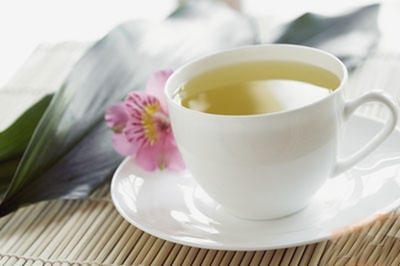 Uống trà không đúng cách có thể gây giòn xương? - ảnh 1