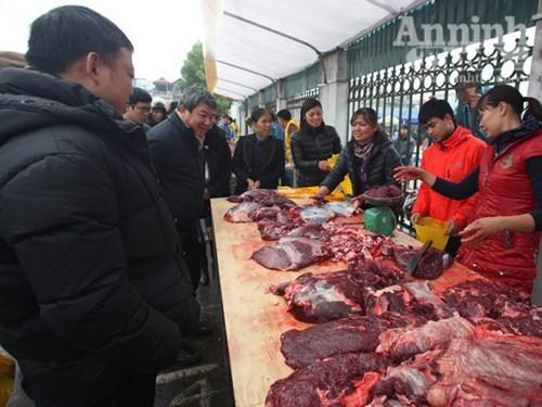 Mẹo phân biệt thịt lợn sề, trâu nái biến thành thịt bò - ảnh 1