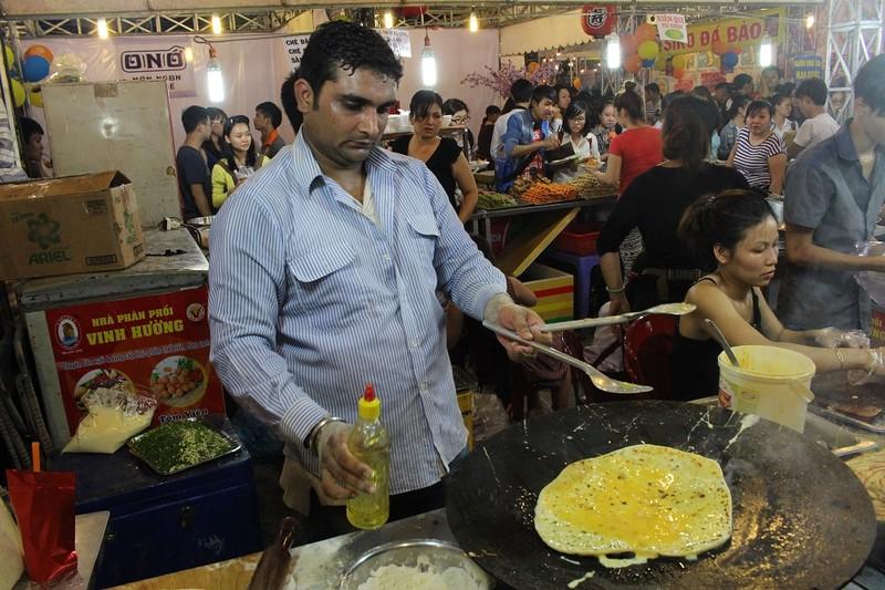 Dân sành ăn Sài Gòn thích thú với Liên hoan Ẩm thực 2015 - ảnh 2