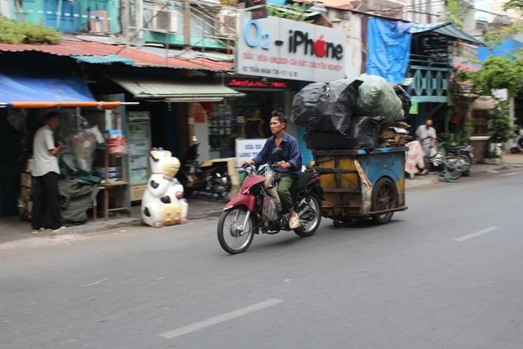 Xe 'mù', xe 'mờ' cản trở giao thông Sài Gòn - ảnh 8