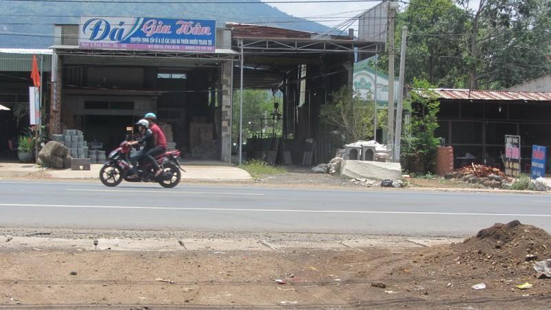 Điều tra vụ tai nạn giao thông nghiêm trọng nghi do đua xe - ảnh 1