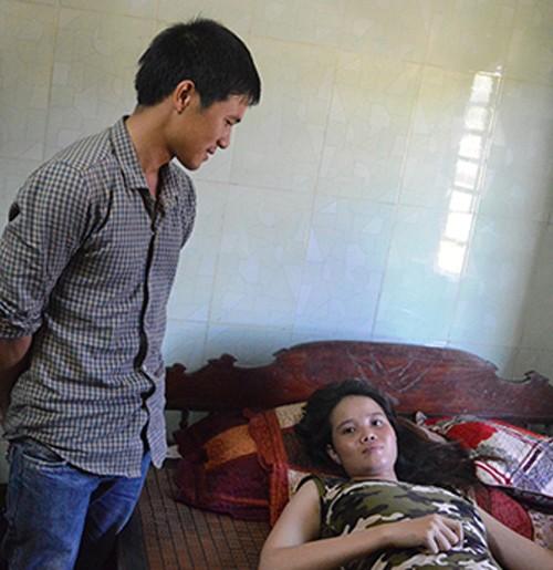 Một phụ nữ Quảng Bình mang thai tự nhiên 4 em bé - ảnh 1