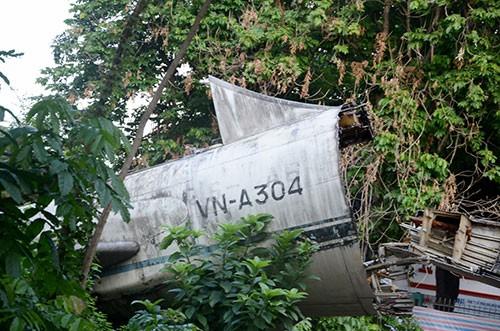 Cận cảnh tháo dỡ máy bay Boeing 707 ở Sài Gòn - ảnh 2