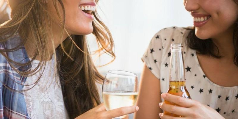 Tác hại của rượu với hàm răng - ảnh 1