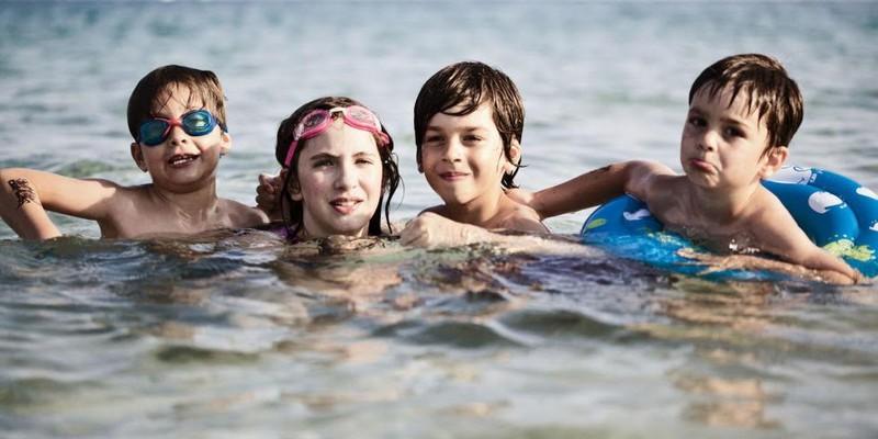 Những nguy hiểm khôn lường cho sức khỏe khi đi biển - ảnh 2